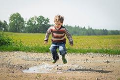 为什么小孩喜欢多动呢?是多动症吗?