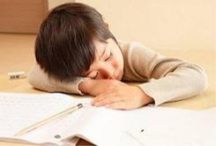 小孩上课注意力不集中是什么原因?